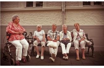 Comment adopter une bonne posture en vieillissant ? La posture peut se détériorer avec l'âge